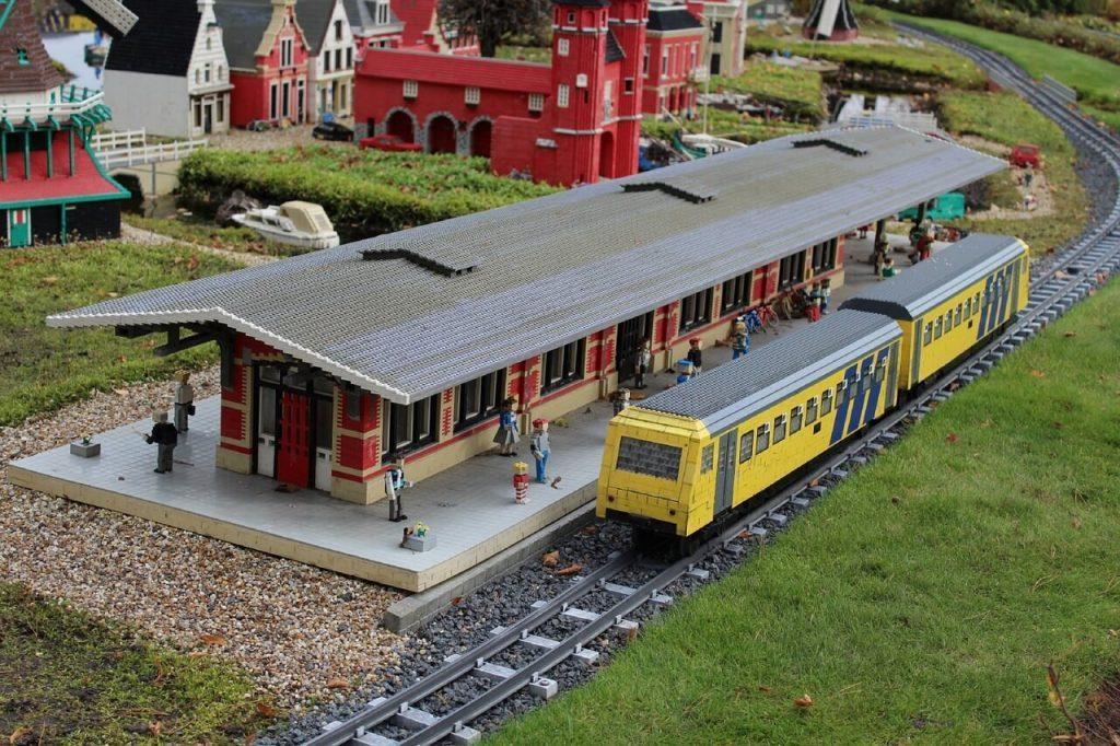 estacion de trenes lego